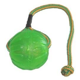 Silikonový míček na šňůrce s otvorem na krmivo